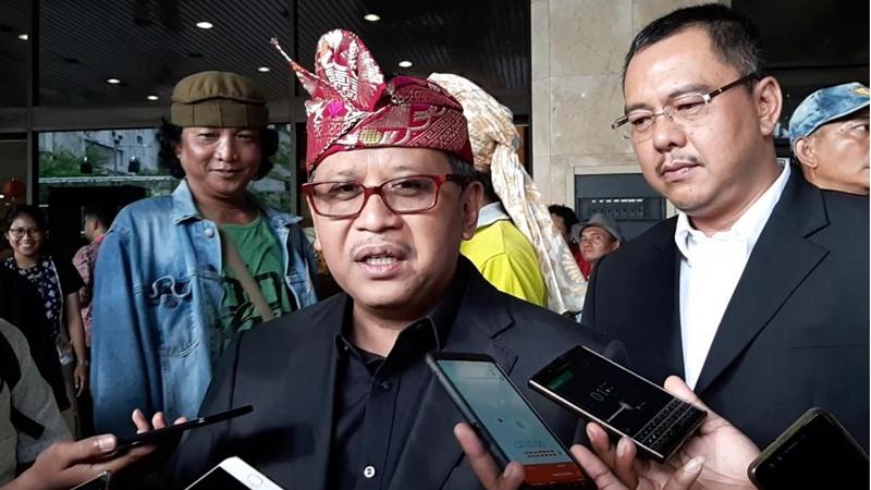 Hasto Kristiyanto selepas menghadiri acara HUT Megawati Soekarnoputri di Grand Sahid Jaya, Rabu (23/1/2019) - Bisnis/Aziz Rahardyan