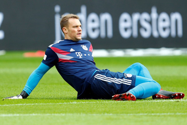 Penjaga gawang Bayern Munchen Manuel Neuer - Reuters/Ralph Orlowski