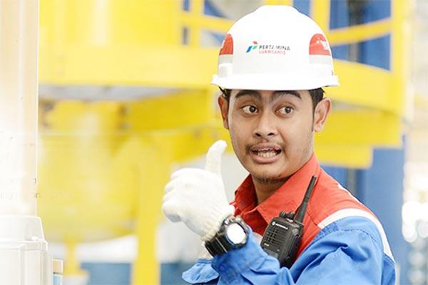 Pekerja di salah satu dari tiga pabrik Pertamina Lubricant.  - PERTAMINA LUBRICANT.