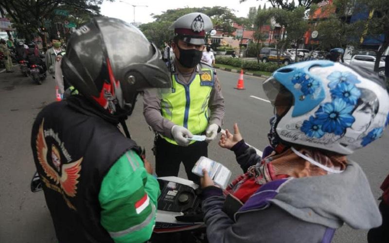 PSBB di Kota Bandung - Bisnis/Dea Andriyawan