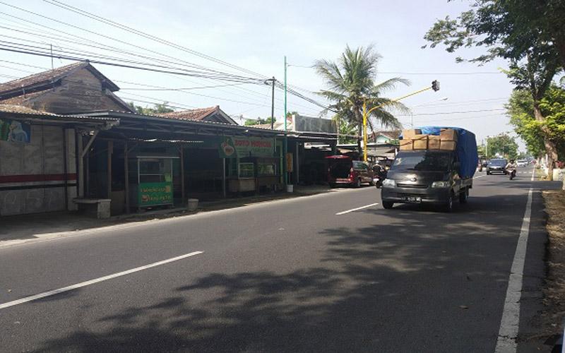 Suasana lalu lintas Jalan Parangtritis, Bantul, Selasa (4/6/2019).- Harian Jogja - Salsabila Annisa Azmi