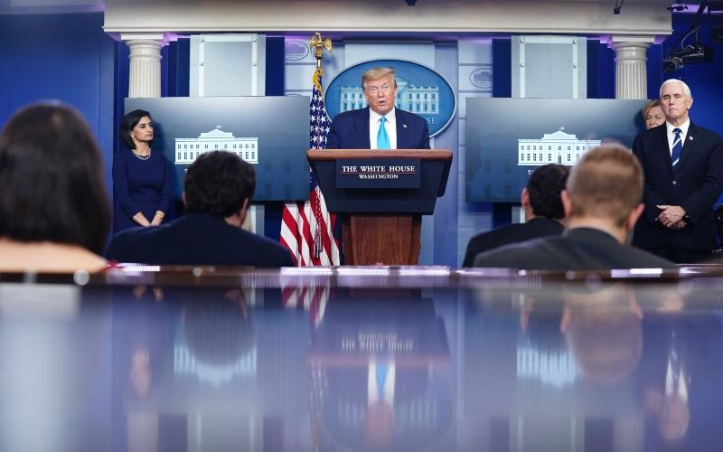 Presiden AS Donald Trump memberikan keterangan terkait virus corona di Gedung Putih, Washington DC, AS, Selasa (7/4/2020)./Bloomberg - EPA/Jim Lo Scalzo