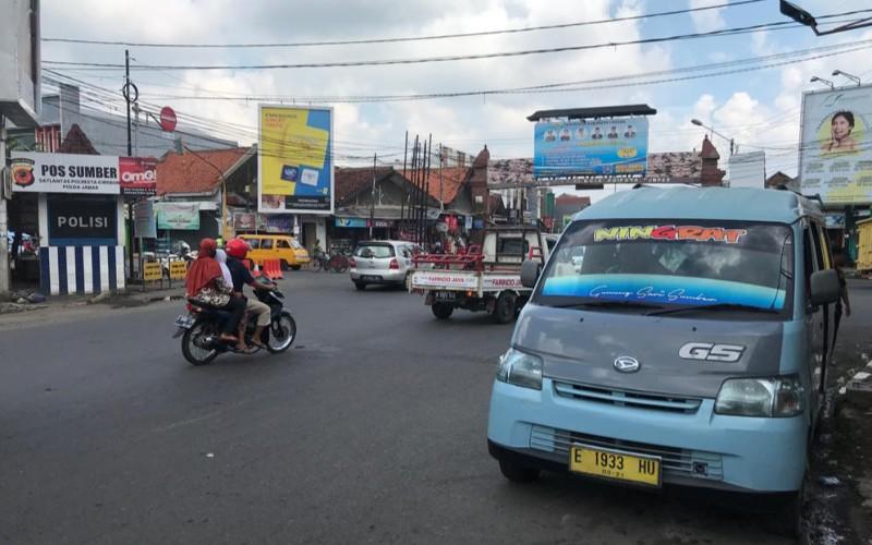 Angkot di Kabupaten Cirebon - Bisnis/Hakim Baihaqi