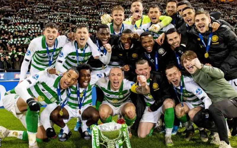 Celtic juara liga Skotlandia tahun lalu. - BBC