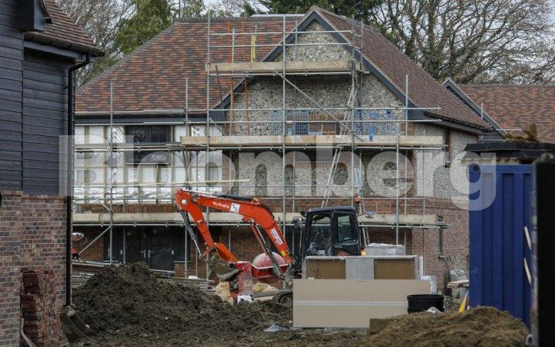 Pembangunan perumahan di Inggris. - Bloomberg
