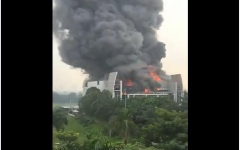Kebakaran di Gereja Christ Chatedral (GBI Basilea) di Gading Serpong, Tangerang. JIBI - Bisns/Nancy Junita
