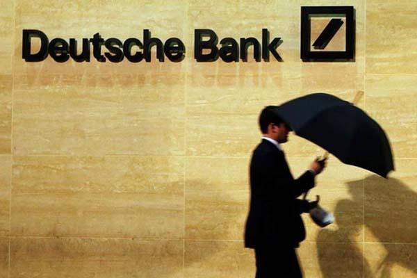 Kantor Deutsche Bank di London - Reuters/Luke MacGregor