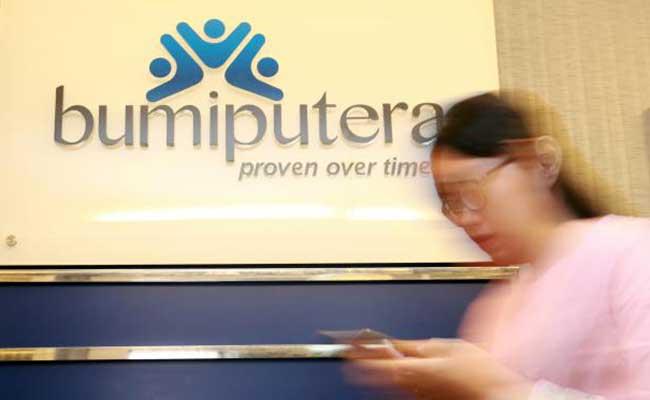 Karyawan beraktivitas di kantor cabang asuransi Bumi Putera di Jakarta. Bisnis - Abdullah Azzam