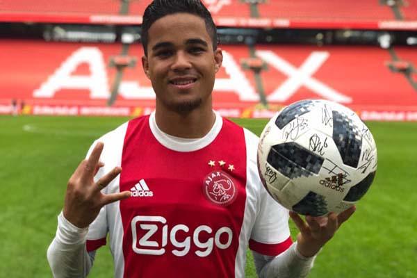 Justin Kluivert ketika masih berseragam Ajax. - Twitter Ajax