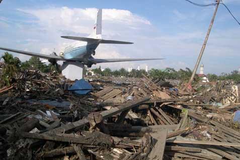 Peristiwa tsunami di Aceh. - ilustrasi