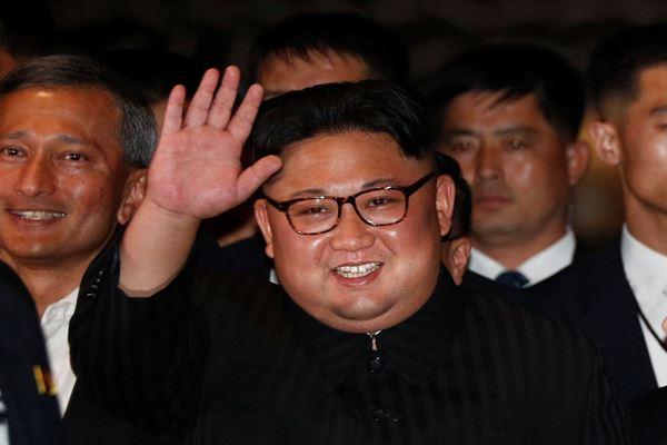 Pemimpin Korea Utara Kim Jong-un mengunjungi Hotel Marina Bay Sands di Singapura, 11 Juni 2018. - Reuters