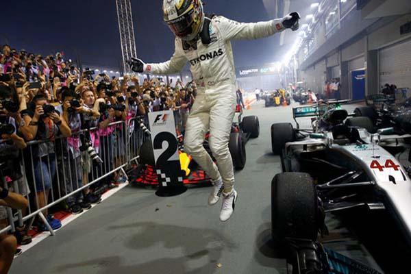 Pebalap F1 dari Inggris Lewis Hamilton - Reuters/Edgar Su