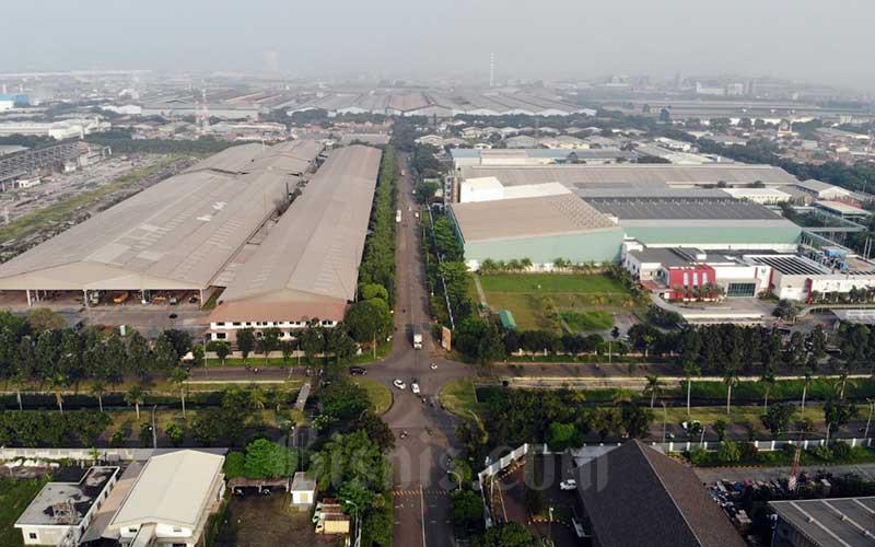 Foto aerial kawasan industri MM2100 di Cikarang, Jawa Barat, Rabu (15/4/2020). Bisnis - Himawan L Nugraha