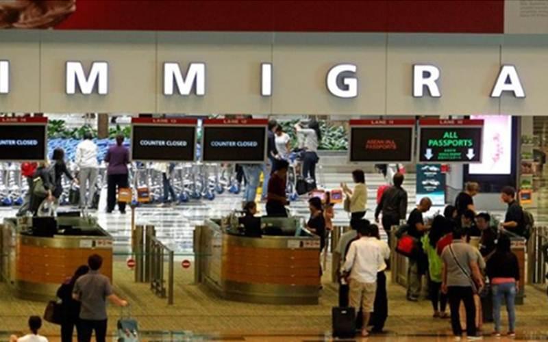 Pemeriksaan imigrasi sebelum memasuki Singapura - facebook/Kedubes Singapura