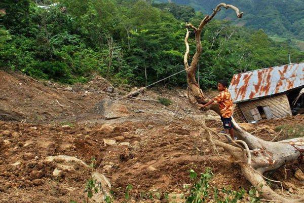 Ilustrasi bencana longsor. - Antara