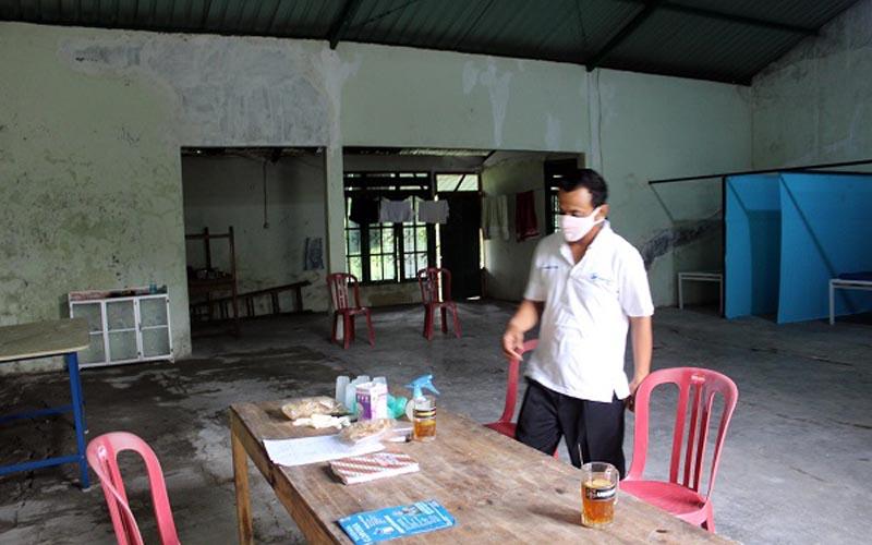 Ilustrasi: Situasi rumah isolasi yang katanya berhantu di Desa Sepat, Masaran, Sragen, Selasa (21/4/2020). (Solopos - Tri Rahayu)