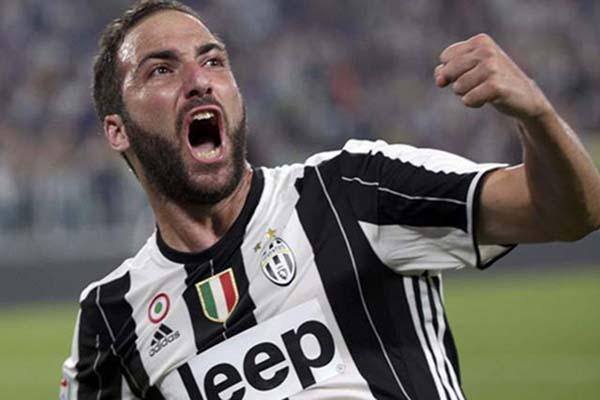 Penyerang Juventus Gonzalo Higuain - Reuters/Max Rossi