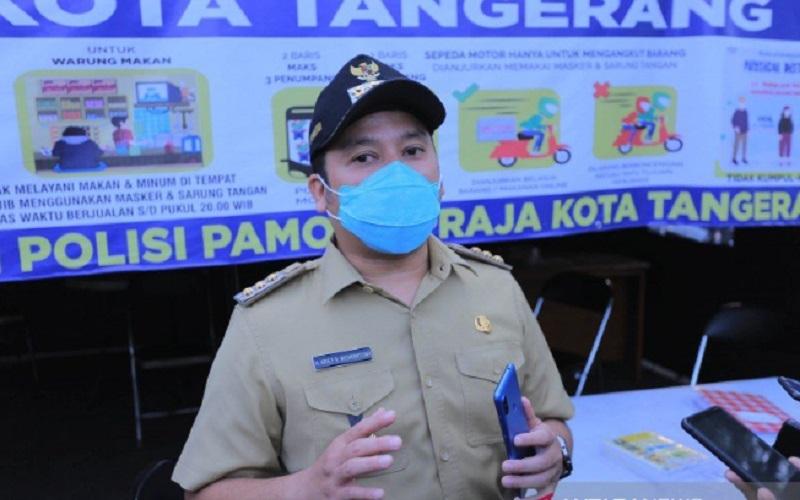 Wali Kota Arief memberikan penjelasan mengenai data penerima bansos hasl verifikasi petugas. - Antara