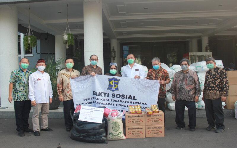 Paguyuban Masyarakat Tionghoa Surabaya menyalurkan bantuan ke Pemkot Surabaya.