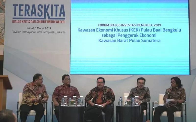 Dialog Investasi Bengkulu 2019 terkait dengan Kawasan Ekonomi Khusus Pulau Baai. Ada beberapa peluang usaha yang ditawarkan ke investor asing, seperti industri tekstil dan otomotif. IPC BENGKULU