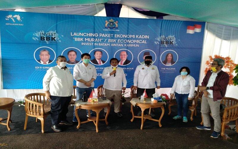 Ketua Umum Kadin Kepri, Akhmad Ma'ruf Maulana (tengah) dalam acara launching BBK sewa lahan gratis. - Bisnis/Bobi Bani.