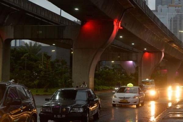 Hujan guyur Kota Jakarta. - Antara