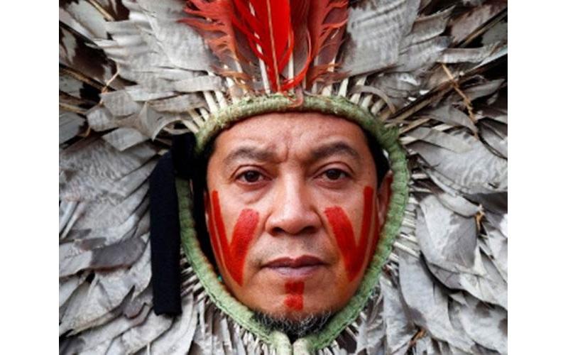 Ilustrasi-Seorang pemimpin komunitas pribumi Brasil mengikuti protes menentang penghancuran hutan Amazon, di luar kantor pusat European Commission di Brussels, Belgia, Selasa (5/11/2019)./ANTARA - REUTERS/Francois Lenoir