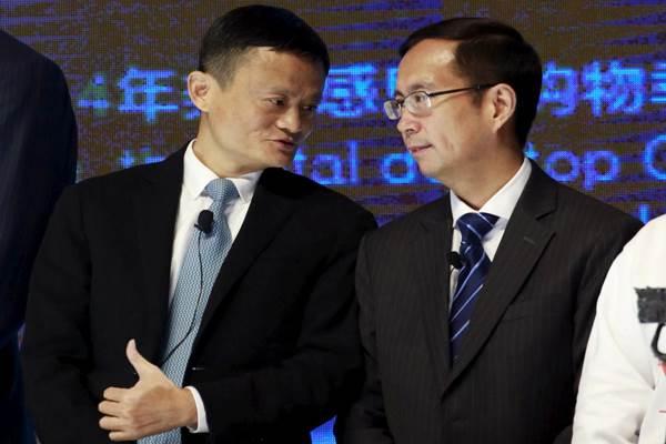 Daniel Zhang (kanan) dan Jack Ma - Reuters