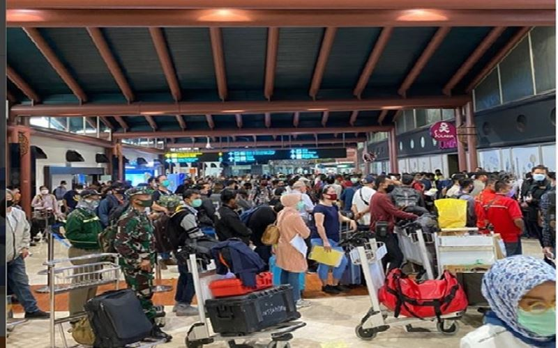Suasana di Terminal 2 Bandara Soekarno Hatta pada Kamis (14/5/2020) pagi. - Instagram@jktinfo