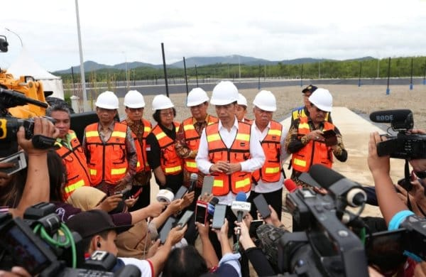 Presiden Joko Widodo saat memberikan pernyataan kepada sejumlah wartawan. - Dok. Istimewa