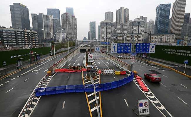 Terowongan Sungai Yangtze Wuhan diblokir setelah tersebarnya virus corona di Wuhan, Provinsi Hubei, China. Foto diambil (25/1 - 2020). China Daily via Reuters