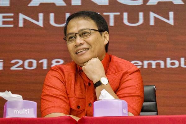 Ahmad Basarah memberikan keterangan pers, di Kantor DPP PDIP, Jakarta, Selasa (9/1). - ANTARA/Galih Pradipta