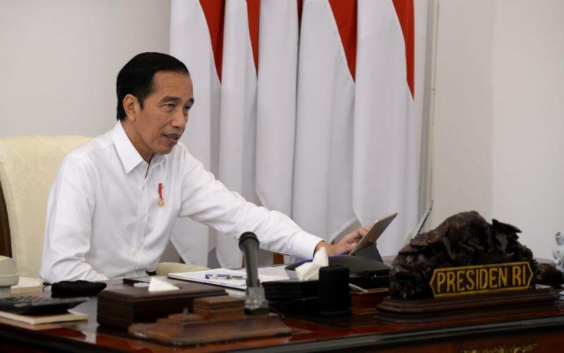 Presiden Joko Widodo saat memimpin rapat terbatas percepatan penanganan pandemi Covid-19 melalui video conference dari Istana Merdeka, Jakarta, Senin (18/5 - 2020)/Biro Pers Media Istana.