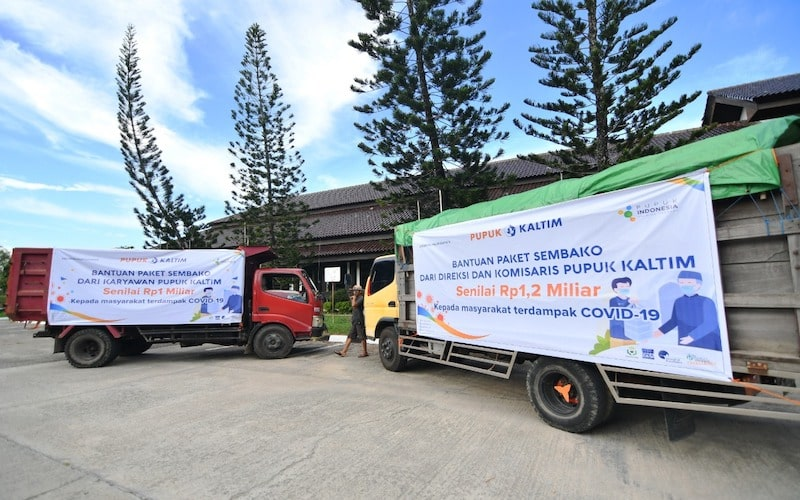 Sambut Idulfitri, direksi bersama dewan komisaris dan karyawan pupuk kaltim salurkan donasi Rp2,2 miliar untuk sembako masyarakat bontang terdampak Covid-19. - JIBI/Istimewa