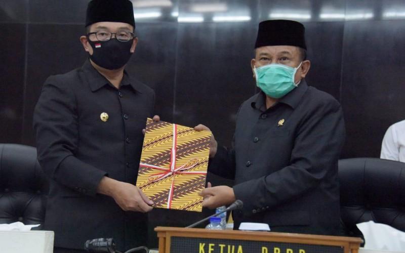 Gubernur Jabar Terima 42 Rekomendasi DPRD Terkait LKPJ 2019