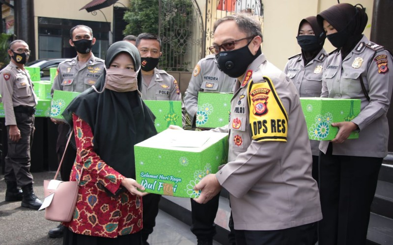 Aksi baksos Polrestabes Bandung