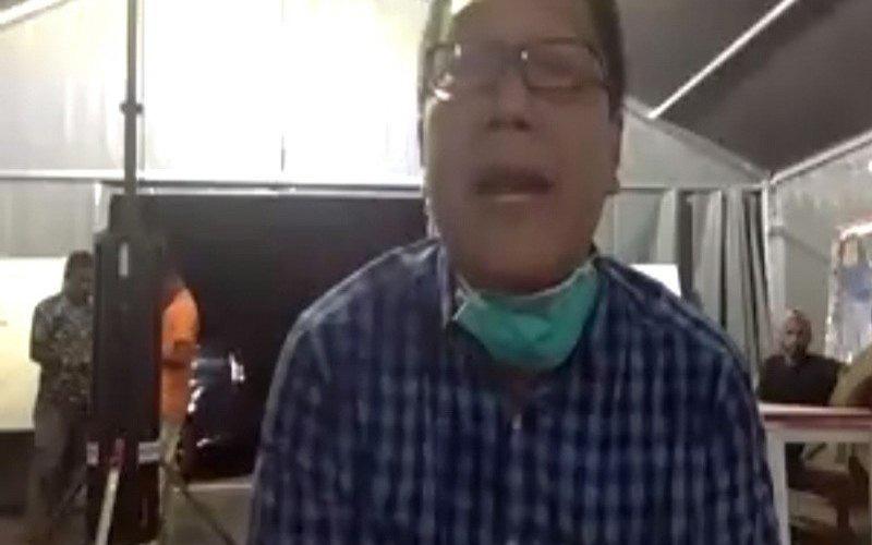 Jubir Satgas Pencegahan dan Penanganan COVID-19 Papua dr. Silwanus Sumule. - Antara/Evarukdijati