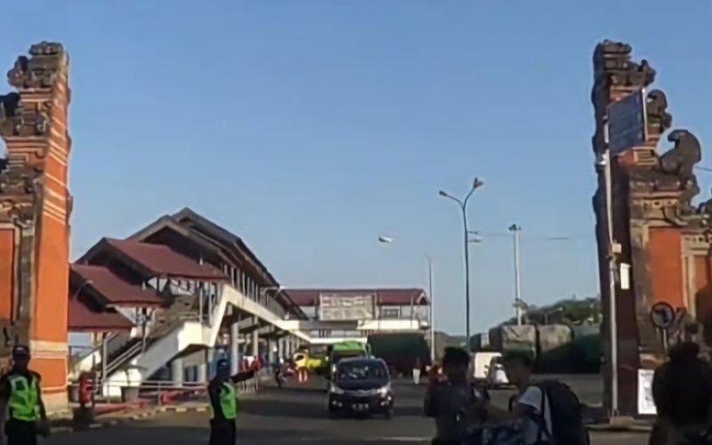 Ilustrasi-suasana pelabuhan Padangbai, Karangasem, Bali. - Antara/Ayu Khania Pranisitha