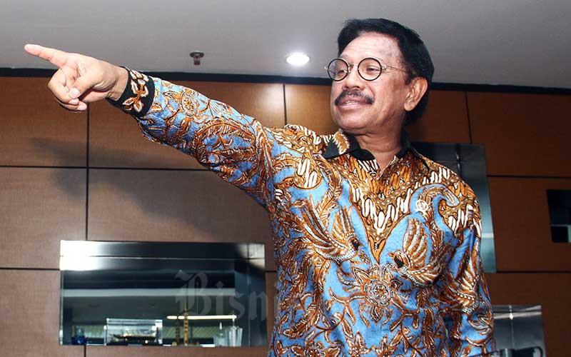 Menteri Komunikasi dan Informatika (Menkominfo) Johnny G. Plate memberikan penjelasan di Jakarta, Kamis (7/11/2019). Bisnis - Triawanda Tirta Aditya
