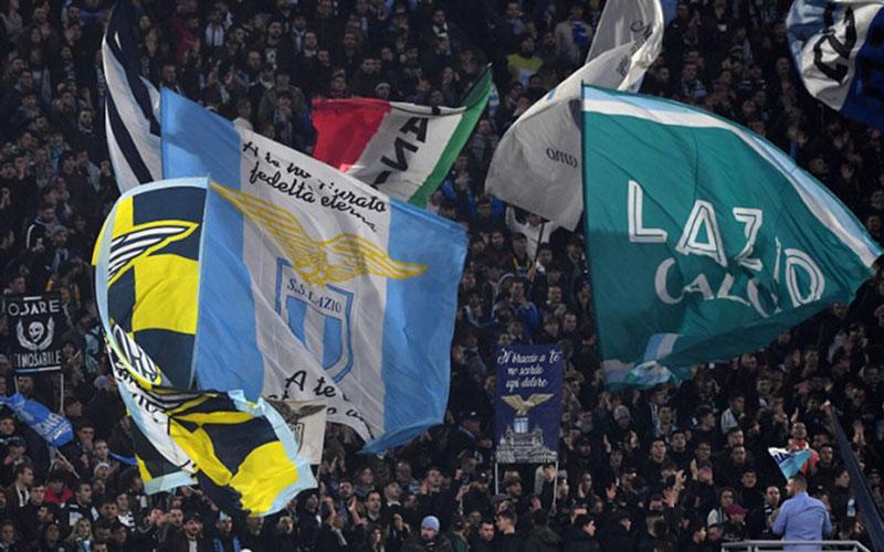 Suporter Lazio/Reuters - Alberto Lingria