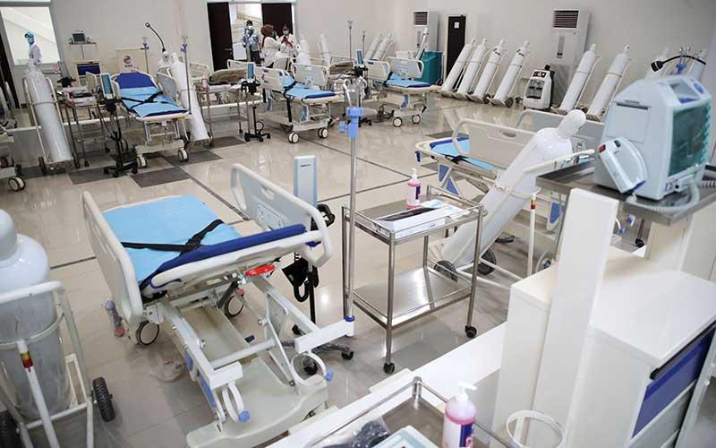 Ruang instalasi gawat darurat di Rumah Sakit Darurat Penanganan COVID-19 Wisma Atlet Kemayoran, Jakarta, Senin (23/3/2020). Presiden Joko Widodo yang telah melakukan peninjauan tempat ini memastikan bahwa rumah sakit darurat ini siap digunakan untuk karantina dan perawatan pasien Covid-19. Wisma Atlet ini memiliki kapasitas 24 ribu orang, sedangkan saat ini sudah disiapkan untuk tiga ribu pasien. ANTARA FOTO/Kompas/Heru Sri Kumoro - Pool