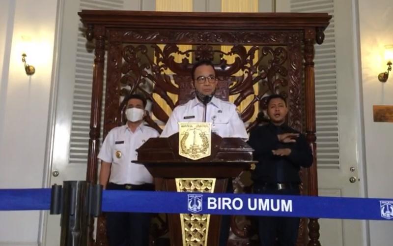 Gubernur DKI Jakarta Anies Baswedan didampingi Wagub DKI Jakarta Ahmad Riza Patria mengumumkan perpanjangan PSBB jilid II di Jakarta mulai 24 April hingga 22 Mei 2020. JIBI - Bisnis/Nancy Junita