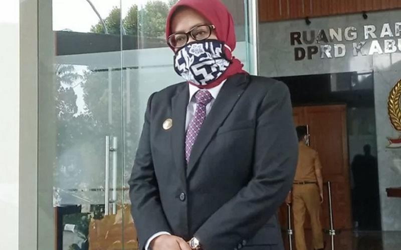 Bupati Bogor Ade Yasin di Gedung DPRD, Cibinong Kabupaten Bogor, Jawa Barat. - Antara