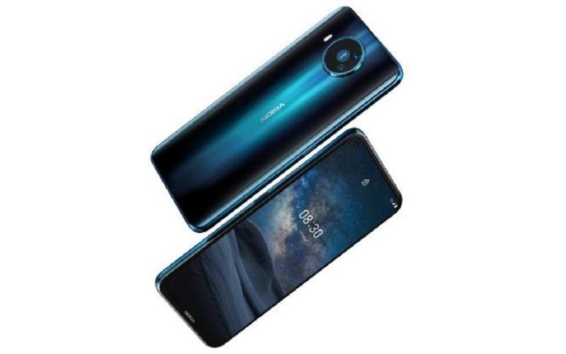 Nokia 8.3 5G juga menampilkan pengaturan empat kamera belakang, dengan sensor utama Zeiss Optik 64MP.
