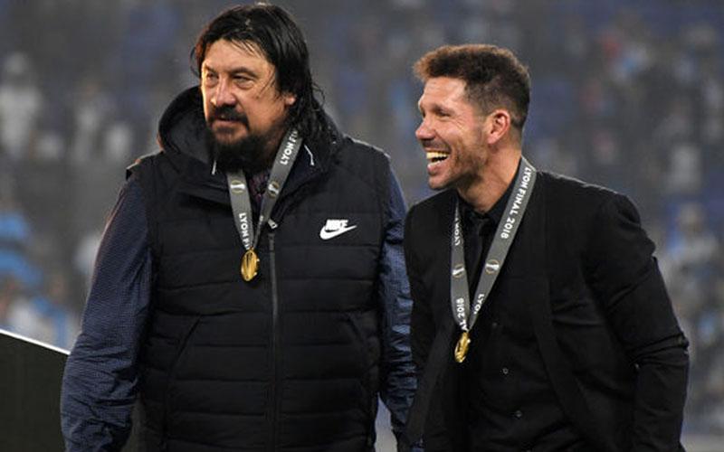 German Burgos (kiri) bersama Diego Simoene ketika menangani Atletico Madrid. - 90min.com
