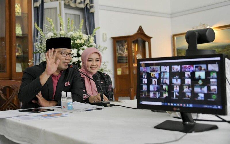 Gubernur Jabar Ridwan Kamil akan memberikan pernyataan resmi terkait perpanjangan PSBB tingkat provinsi.