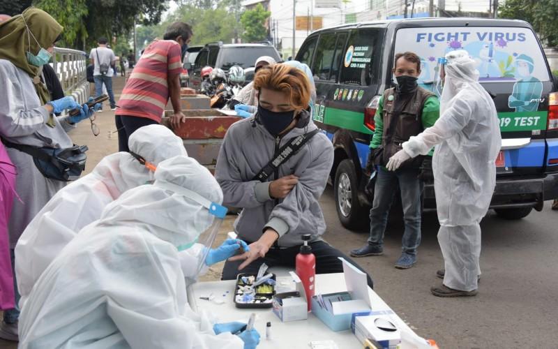 Rapid test massal di Jabar - Bisnis/Wisnu Wage