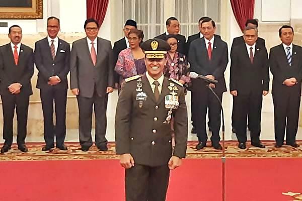 Letnan Jenderal TNI Andika Perkasa tersenyum sesaat sebelum dilantik sebagai Kepala Staf TNI Angkatan Darat oleh Presiden Joko Widodo di Istana Negara, Jakarta, Kamis (22/11/2018). Andika pernah menjabat sebagai Komandan Pasukan Pengamanan Presiden pada masa awal pemerintahan Jokowi pada 2014. - JIBI/Yodie Hardiyan