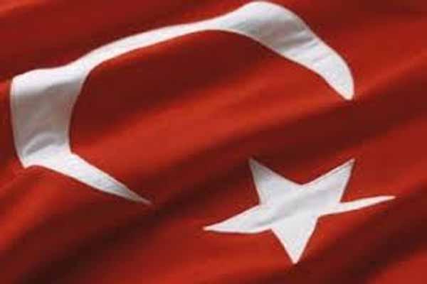 Bendera Turki - Istimewa.