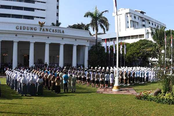 Ilustrasi-Presiden Joko Widodo saat memimpin upacara Hari Lahir Pancasila di halaman Gedung Pancasila, Kementerian Luar Negeri, Jakarta, Jumat (1/6/2018). - ANTARA/Puspa Perwitasari